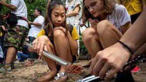 """3 300x169 - Niña de 12 años lucha contra el plástico en Tailandia: """"Cuando los adultos no hacen nada, los niños tenemos que actuar"""""""