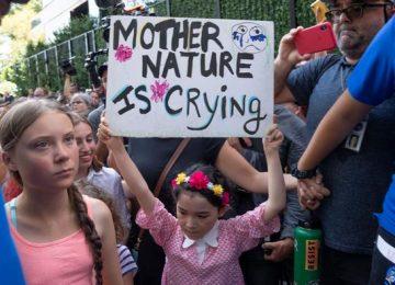 50234377 303 360x260 - Greta Thunberg protesta frente a la ONU en Nueva York
