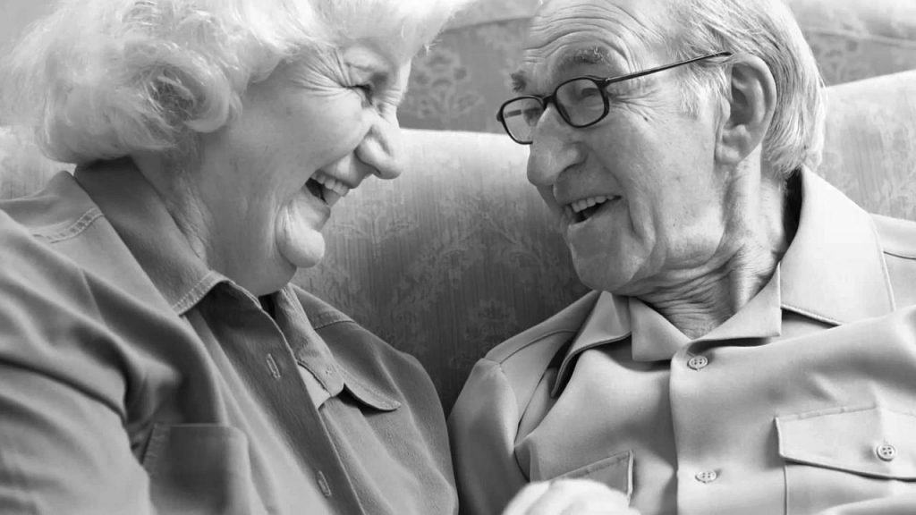 10 mandamientos para una vejez feliz ErGaLe 1 1024x576 - 10 consejos para una vejez feliz, y ser un adulto mayor útil y alegre
