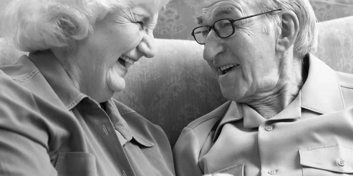 10 mandamientos para una vejez feliz ErGaLe 1 1140x570 - 10 consejos para una vejez feliz, y ser un adulto mayor útil y alegre