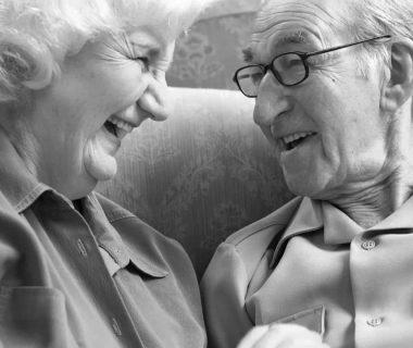 10 mandamientos para una vejez feliz ErGaLe 1 380x320 - 10 consejos para una vejez feliz, y ser un adulto mayor útil y alegre