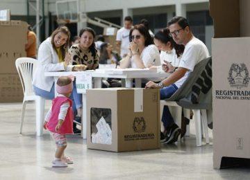 5db5ef511291a 360x260 - SUGESTIVO RENACER DE UNA NUEVA COLOMBIA