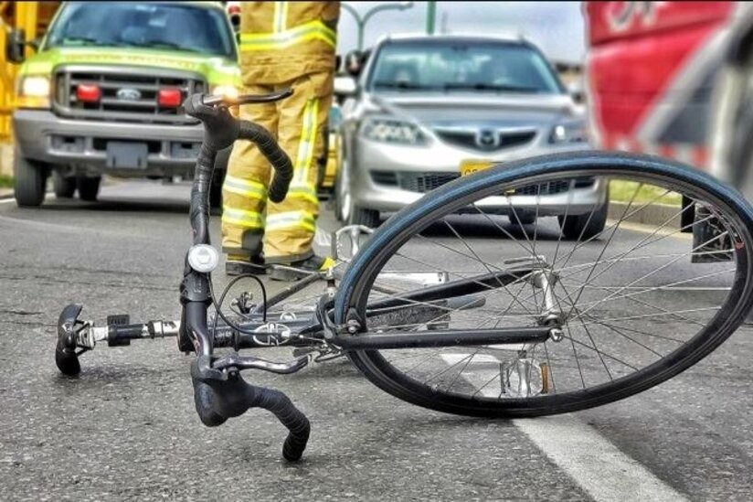 ciclista accidente 1  - Sistema de avisos en carretera: tecnología que evita accidentes.