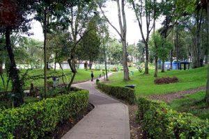 parque novios zonabogotadc 1 300x200 - Las zonas verdes en las ciudades podrían ayudar a prevenir enfermedades mentales