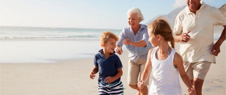 shutterstock 1056228761 760x320 - Envejecer en el siglo XXI: crece la esperanza de vida pero con más desafíos sociales y tecnológicos