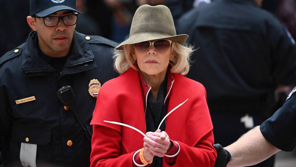 1572637677 748650 1572688290 noticia fotograma - Jane Fonda, arrestada cada viernes