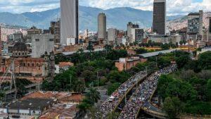 109784610 gettyimages 1183818792 300x169 - El miedo en la sociedad colombiana