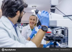 depositphotos 197917650 stock photo young students chemistry working laboratory 300x219 - El Legado De Goebbels: Instrucciones Para Mejor Engañar