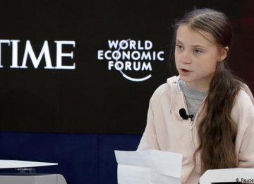 52083490 303 360x260 - Thunberg acusa a los líderes de haberse rendido ante el calentamiento global
