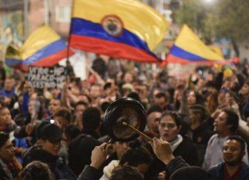 6b banderas 360x260 - Estudio ubica a Colombia como el país más corrupto del mundo