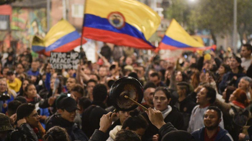 6b banderas - Estudio ubica a Colombia como el país más corrupto del mundo