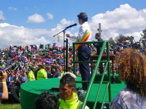 ENNW8kzWsAEnalq 300x225 - La nueva generación de alcaldes marca el cambio de ciclo en Colombia