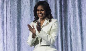 Michelle portada t 300x180 - La autobiografía de Michelle Obama, el libro de memorias más leído de la historia
