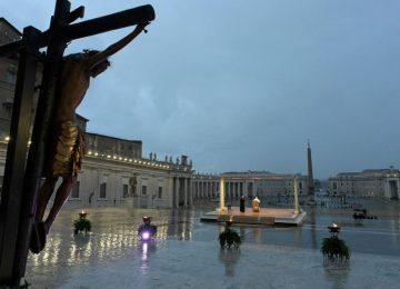 """5e7e40208c15f 360x260 - """"Estamos todos en la misma barca"""", el mensaje del papa Francisco a todo el mundo"""