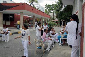 hospital sincelejo 1 300x200 - MÉDICOS DENUNCIAN FALTA DE ELEMENTOS E INCERTIDUMBRE LABORAL EN MEDIO DE CRISIS POR CORONAVIRUS