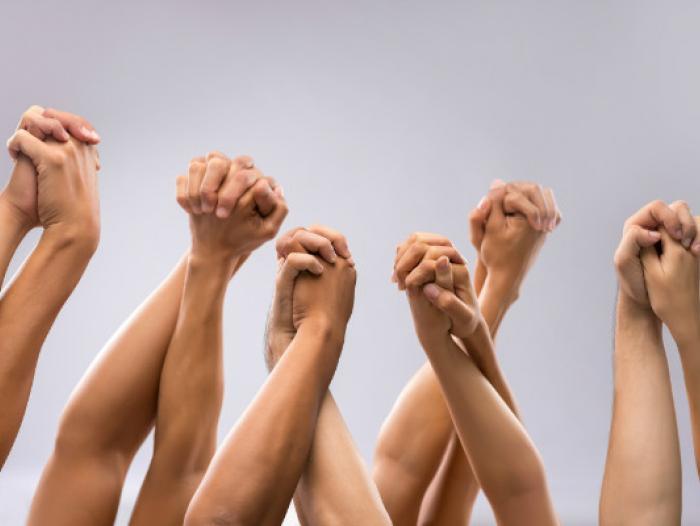 56c63530db703 - El muro de la solidaridad de las empresas colombianas
