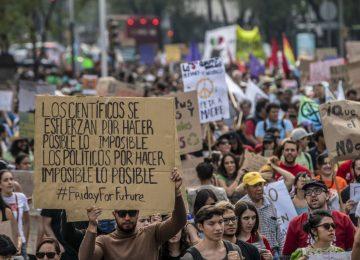 1568964868 806553 1569017970 album normal 360x260 - ¡¡¡ Vamos a despertar, por la Vida Humana y del Planeta ¡¡¡ (Reveillons-nous )//YouTube//Foto:El País, de España.