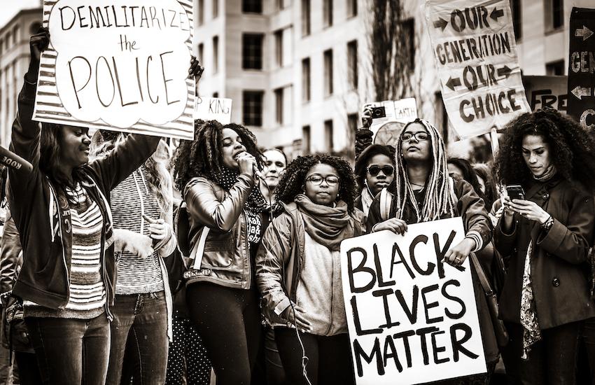 blm1 - 200 recursos para hacer frente al racismo y la discriminación racial