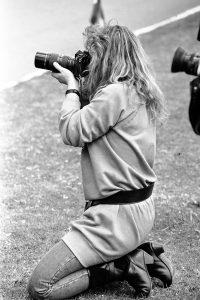 """lliana toro mayo 16 1989 1 200x300 - Liliana Toro Adelsohn,""""guerrera y perseverante"""", fue una de las primeras foto reporteras, en una época de predominio machista en el periodismo colombiano."""