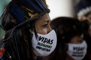 303788 indigenas telam 300x199 - Colombia, Brasil y México encabezan la lista negra de asesinatos de ecologistas