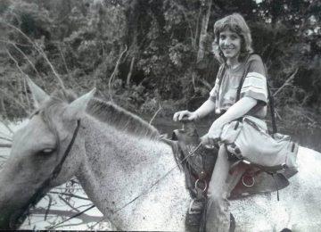 Lili a caballo EPL 360x260 - Liliana Toro: Reportera gráfica