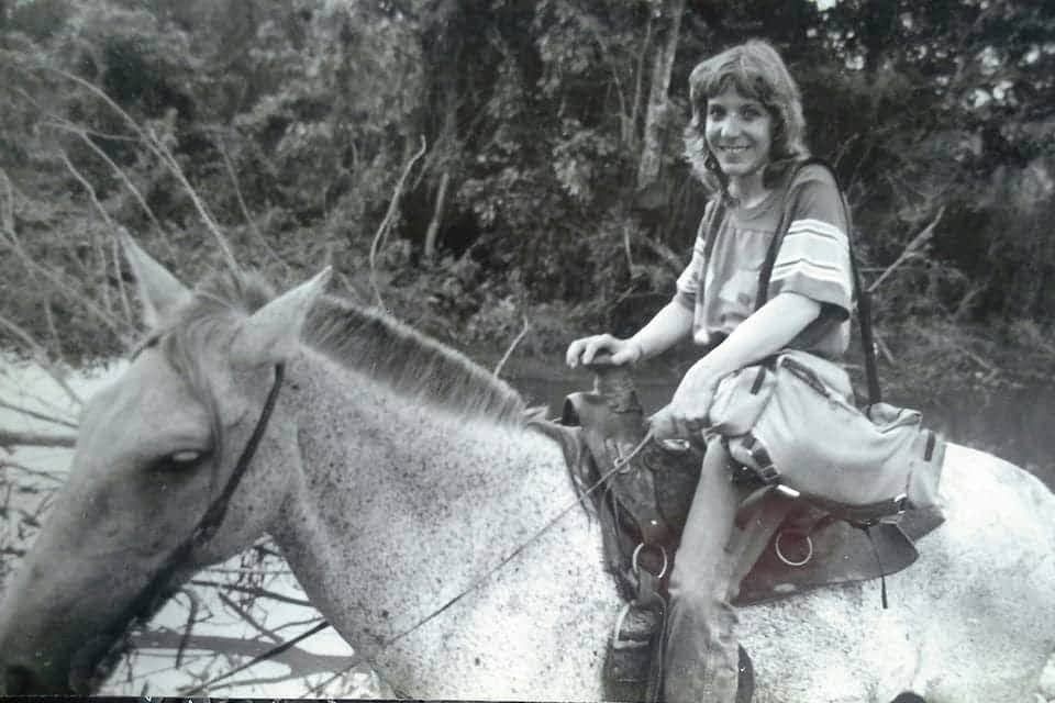 Lili a caballo EPL - Liliana Toro: Reportera gráfica