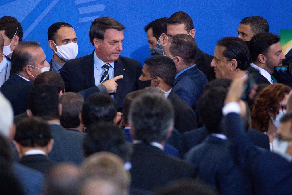 merlin 173631339 3e5fd5ae 7098 477c b454 03eee6d780c4 superJumbo 1024x682 - El presidente Bolsonaro se burló del coronavirus, desafió el covid-19, y terminó infectado y contagioso.