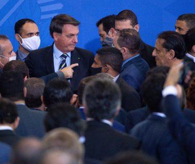 merlin 173631339 3e5fd5ae 7098 477c b454 03eee6d780c4 superJumbo 380x320 - El presidente Bolsonaro se burló del coronavirus, desafió el covid-19, y terminó infectado y contagioso.