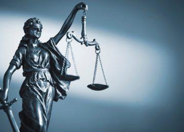 figura justicia sosteniendo escamas espada 124595 823 360x260 - JUSTICIA CON LEGALIDAD