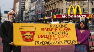 fracking5 300x167 - 13 países que prohiben  el 'fracking', por los múltiples y graves riesgos para la salud, según estudios científicos.