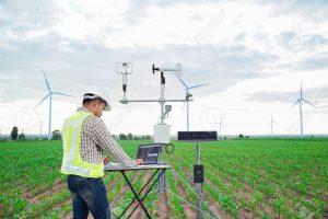 "120506261 engineer using tablet computer collect data with meteorological instrument to measure the wind speed 300x200 - Lanzan premio que se convertiría en un ""nobel ambiental"""