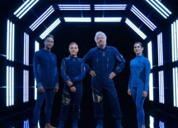 """Spacewear 171019 750x375 1 360x260 - El Turismo Espacial ya es realidad a un costo promocional de 250 mil dólares por  """"astronauta"""" aficionado."""