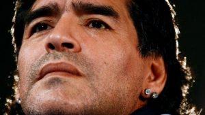 115644700 mediaitem115644699 300x169 - El contraste entre Diego y Maradona