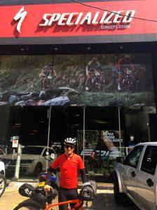 Foto Juanma Cali 224x300 - Recuerdo del viaje Bogotá - Cali en bicicleta, me robaron!