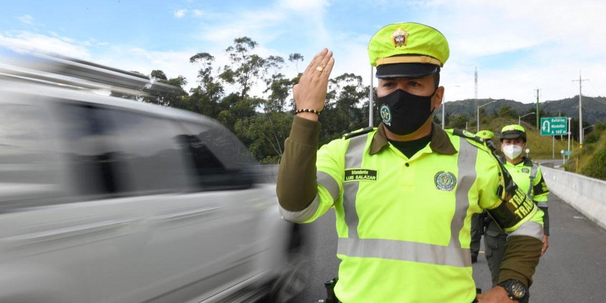 POLICIA3 1 - Operativo de BioSeguridad en la red vial de Cundinamarca.