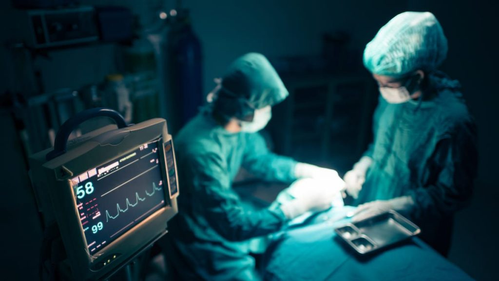 como salvar vidas IA hospitales 1024x576 - La Inteligencia Artificial puede salvar vidas con alta tecnología en hospitales.