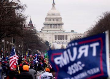 Disturbios Washington Trump Congreso EEUU 1426067421 16277263 1280x720 360x260 - El FBI advierte de posibles protestas armadas de seguidores de Trump (y cuáles serán las medidas de seguridad en la inauguración de Biden)