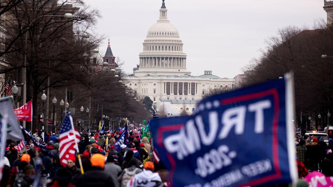 Disturbios Washington Trump Congreso EEUU 1426067421 16277263 1280x720 - El FBI advierte de posibles protestas armadas de seguidores de Trump (y cuáles serán las medidas de seguridad en la inauguración de Biden)