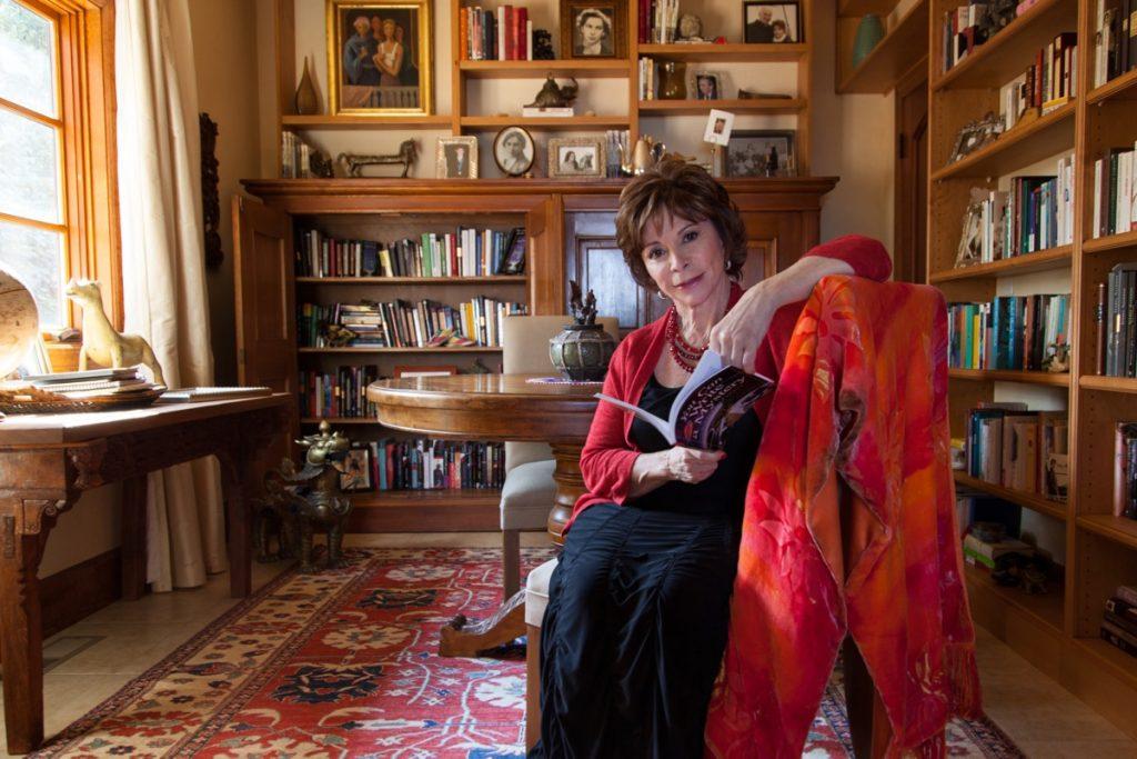 Frases Isabel Allende 1024x683 - Lección deVida de la pandemia, sin miedo a la muerte: Isabel Allende.