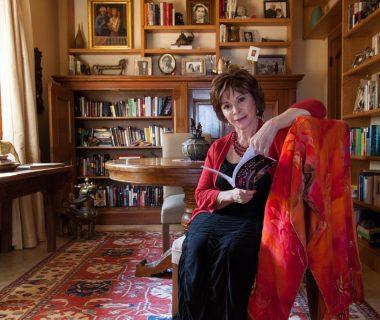 Frases Isabel Allende 380x320 - Lección deVida de la pandemia, sin miedo a la muerte: Isabel Allende.