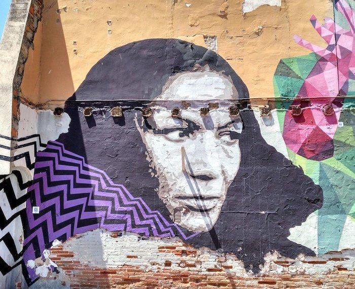 Barcelona. Arte Callejero. Imagen de Jose Cabeza en Pixabay 1 - Los cuidados en el centro de la vida