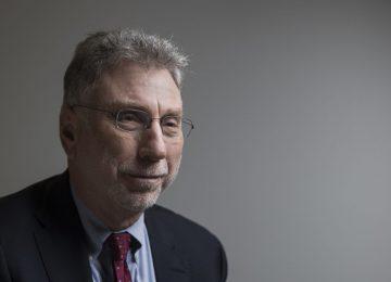 """P3YR3GXG4NG2HOCSZDZVI4XFMM 360x260 - """"La gente se fía más de sus sentimientos que de los hechos""""Marty Baron, ex-Director de The Washington Post"""