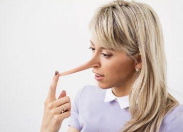 depositphotos 56060093 stock photo liar nose 1 360x260 - Más rápido caen los mentirosos...