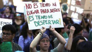 108892039 tv056658198 300x169 - Crece movimiento juvenil mundial que exige medidas urgentes contra los nocivos efectos del cambio climático.