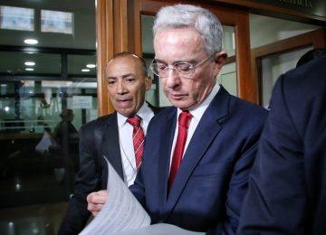 UDFOWRHSEFABJHQGOHBJNW5W6E 360x260 - Álvaro Uribe pide sacar el Ejército a las calles