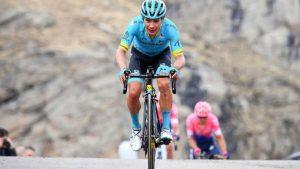 15587200003987 300x169 - Supermán López se quedó con la etapa reina y es el nuevo líder de la vuelta a Andalucía