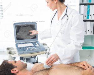 27153120 female cardiologist using sonogram on male patient in examination room 300x240 - Turismo de salud y bienestar, alternativa para reactivar economía en Colombia