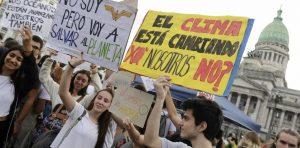 medidas urgentes en marzo cientos   BNzkMb0jD 1256x620  2 300x148 - La juventud en favor de la acción climática